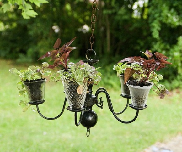 chandeleir Garden 10 Gardening Ideas for Small Spaces
