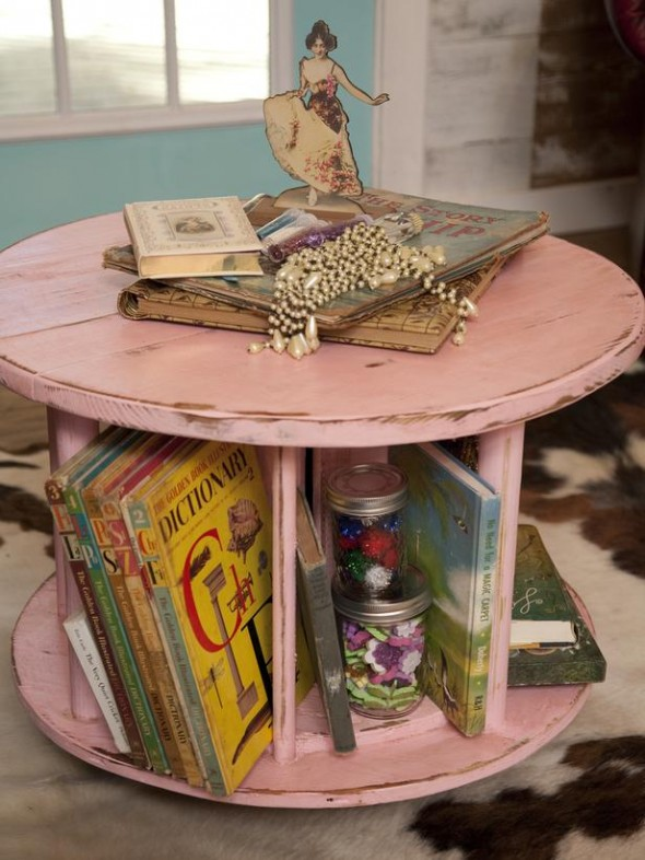 8 590x786 Creative DIY Coffee Table