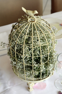 babys breath birdcage white 10 Cool Spring Centerpieces