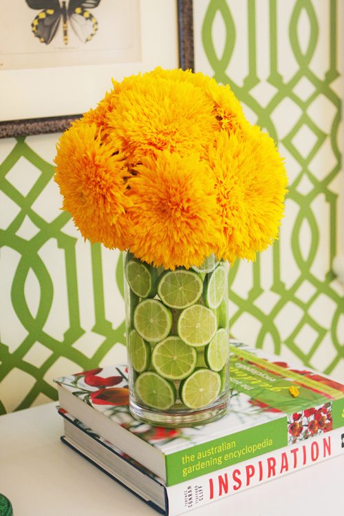 yellow flowers 10 Cool Spring Centerpieces