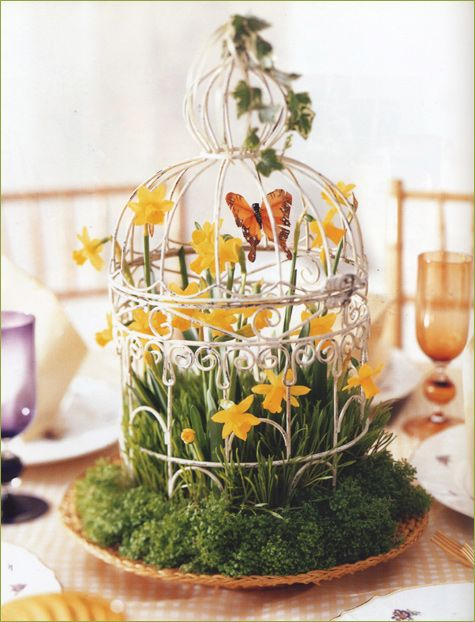 Decorate With Nest This Oversize Cradles An Exuberant Mix Of Blooms From Spring Flowering Bulbs It Has Ethereal Light As A Cloud Appearance