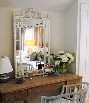 Diy dressing table ideas i found this creative diy idea here owner of this beautiful dressing table has recycled an old door into an antique looking mirror solutioingenieria Gallery
