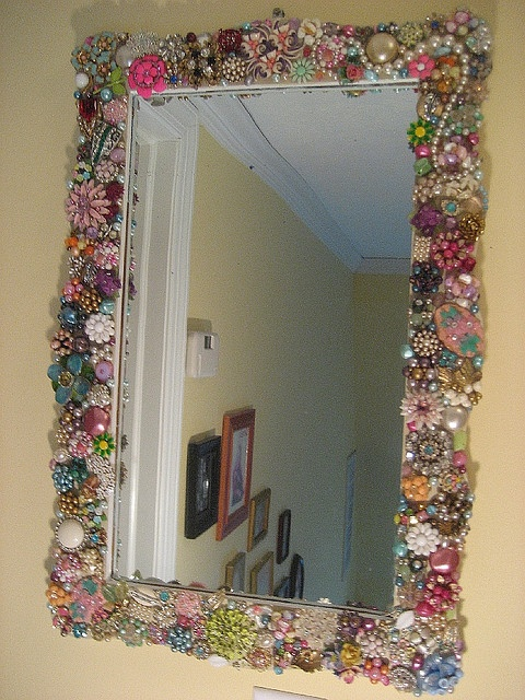 Jewel Frame Mirror 10 Creative Mirror Frame Ideas   DIY