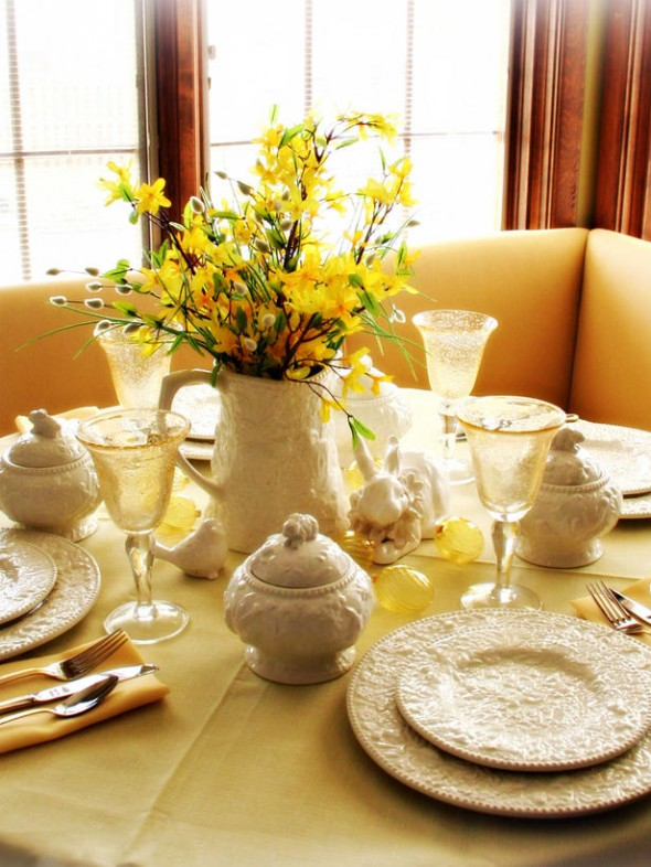 Splash of sunshine to the dining table setting