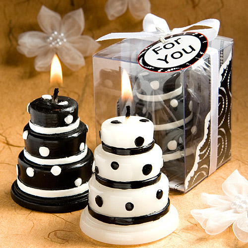 variety of customized scented candles are available online