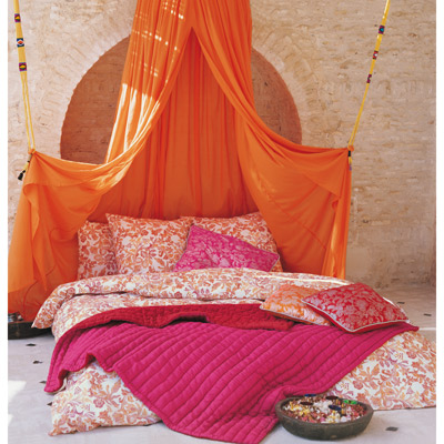 You Can Hang The Canopy From Single Hoop Or A Curtain Rod In Middle Of Your Bed And Let Drape Fall Over Ends