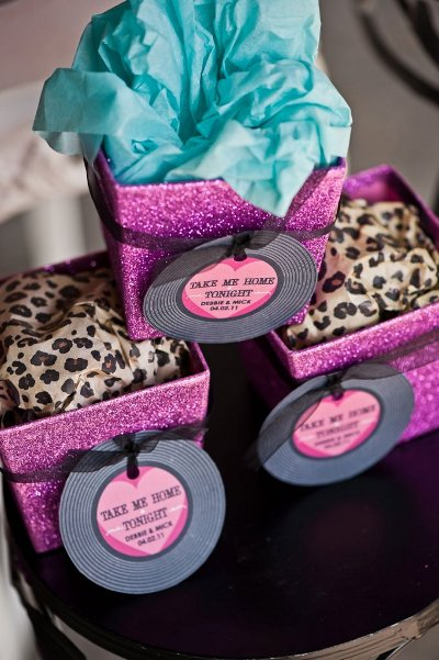 Rock N Roll Wedding Gift Ideas : Theme Wedding Ideas- Rock ?n Roll Themed Wedding