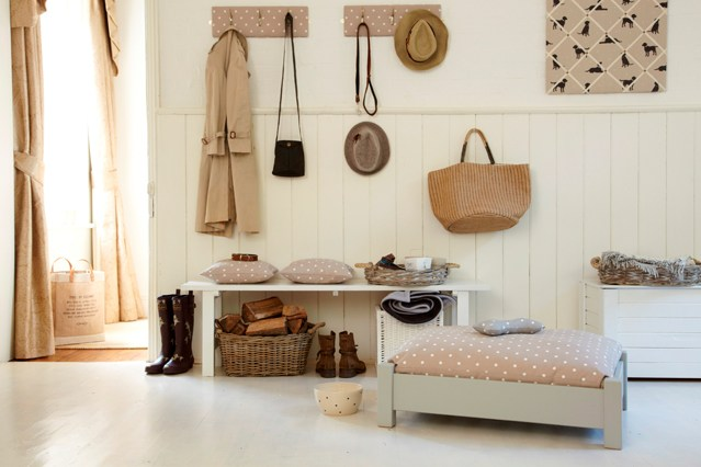 Hallways country style living impressive for Country hallway ideas