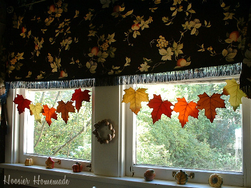Fall decorating ideas kitchen - Window decorations for fall ...