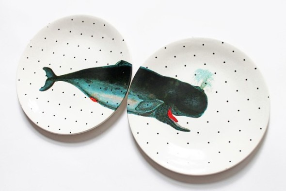 Combo set of hanging plates, they are traditional but with touch of modern art