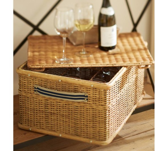 7 590x531 Savvy Storage Ideas   Baskets