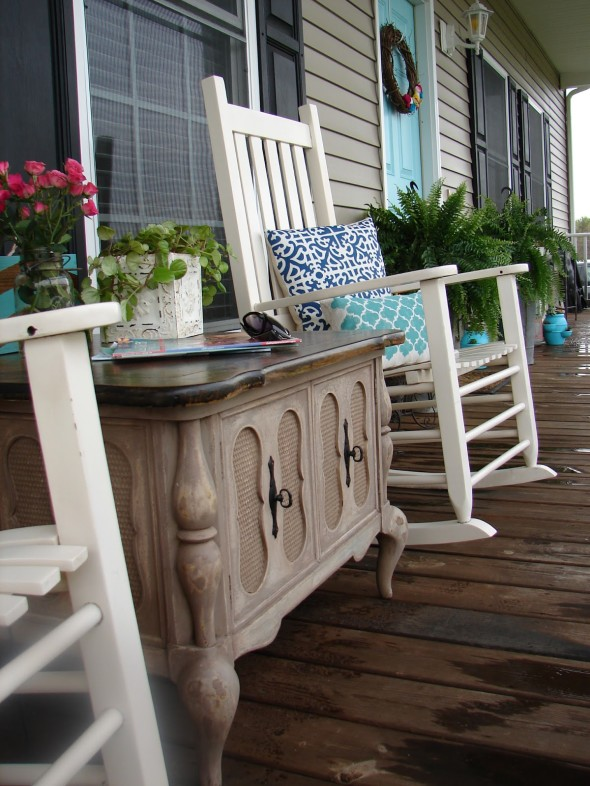 Porch Decor 5 590x786 Outdoor Living Spaces