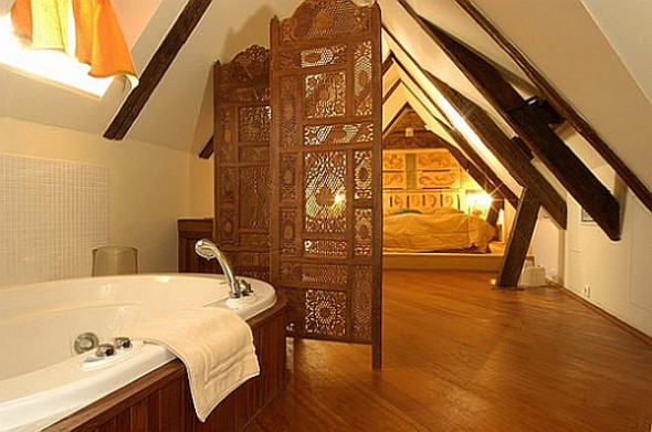 Attic 10 590x391 Attic Bedroom Ideas