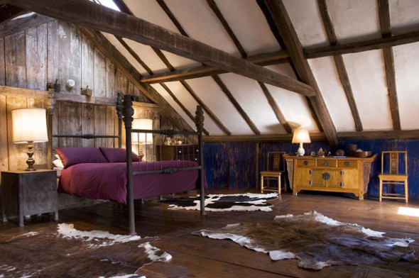 Attic 7 590x392 Attic Bedroom Ideas