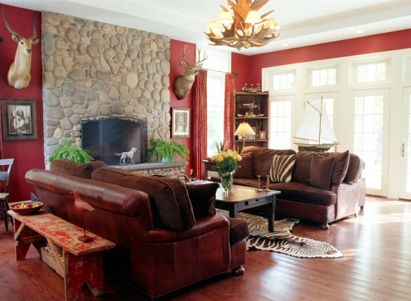 Crimson Living Room 590x432 Color Trends 2014