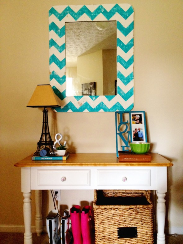 Chevron Mirror Frame 590x786 Decor Trends   Chevron Pattern
