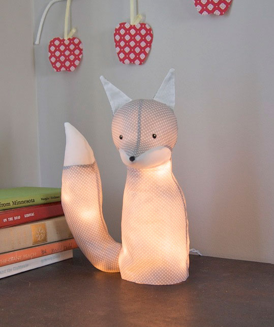 This cute animal lamp is just the missing piece in animal themed kids room