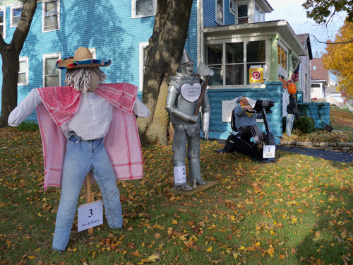 Scarecrow Contest - Group Halloween Games