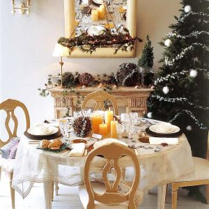 10 Creative Christmas Table Decoration Ideas