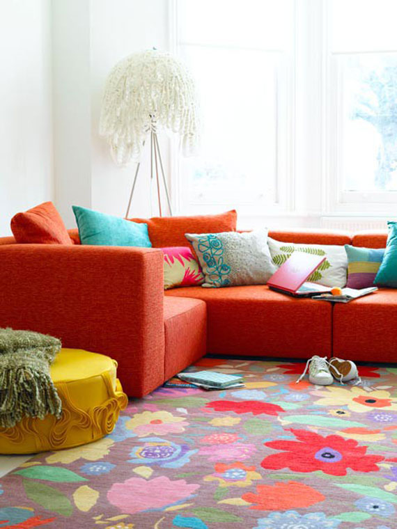 Add splashes of colors, colorful area rug makes any living room spring ready.