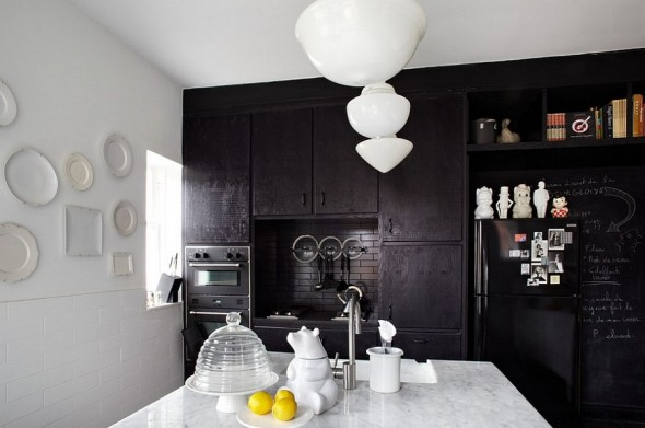 Kitchen trends usually involve white for a soothing, elegant and neutral kitchen