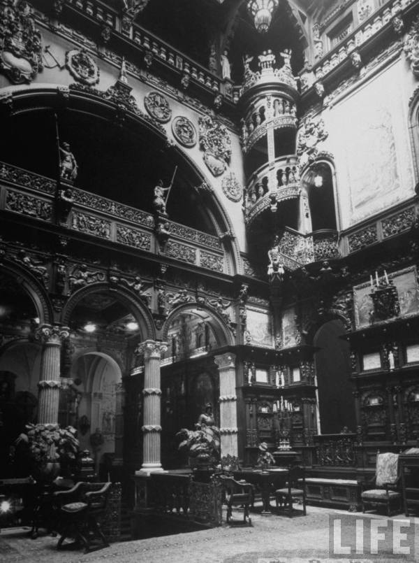 In 1940 Margaret Bourke-White, first female war photographer, took ​​this pic of the hall in Peles Castle, Romania