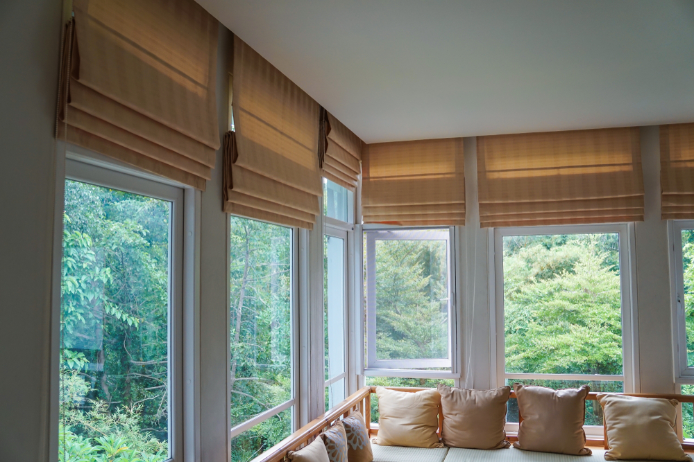 Traditional Homes with Traditional Roman Shades