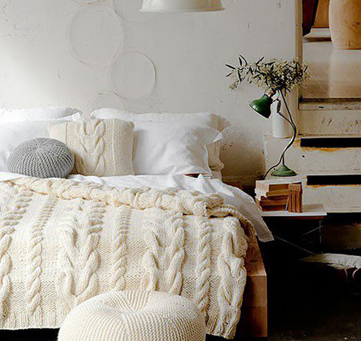 7 Cozy Winter Bedroom Decorating Ideas