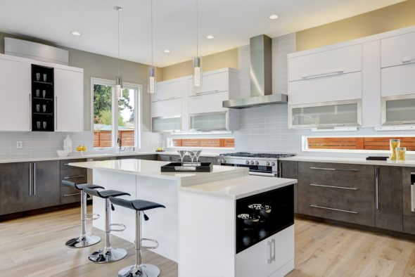 Over Time Kitchens Become Dated And Worn But They Can Be Expensive To Replace Entirely Here Are Some Great Tips On How Make Your Old Kitchen Look New