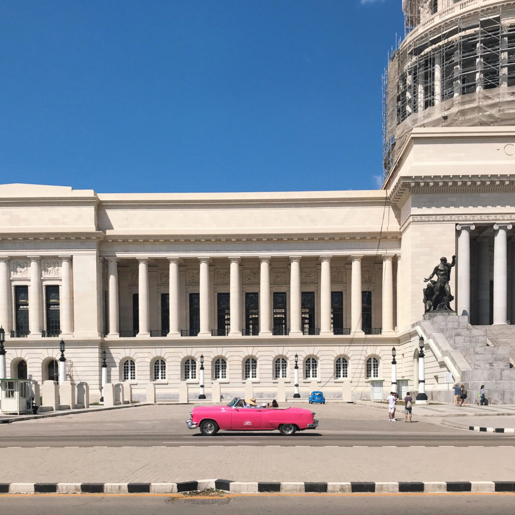Cuba cars and architecture